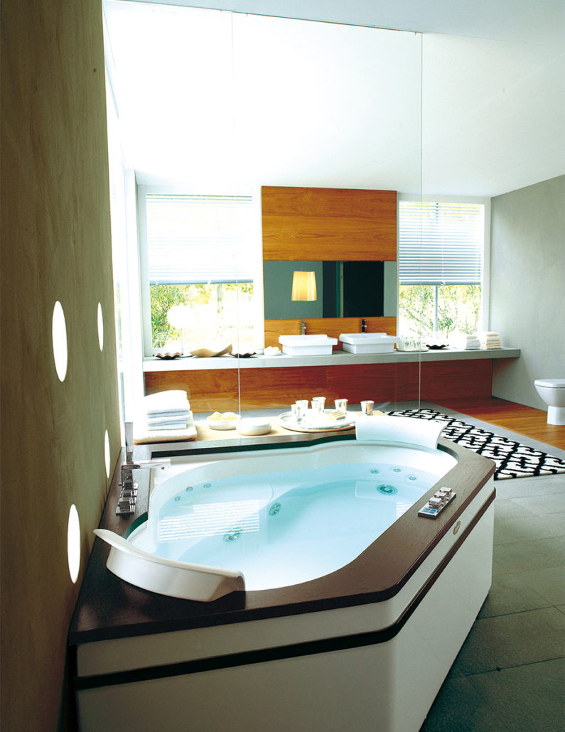 Jacuzzi Hot Tubs & Spas | Bathroom Showroom | UK